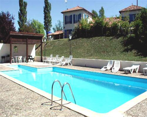 Holiday let house to rent in riberac aquitaine france - Large holiday homes with swimming pool ...