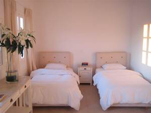 Holiday let Apartment to rent in Ano Mera, Mykonos, Greece. Modern ...