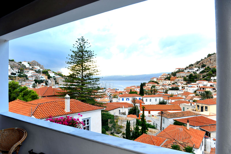 Holiday let house to rent in hydra town hydra greece for Modern house holiday lets